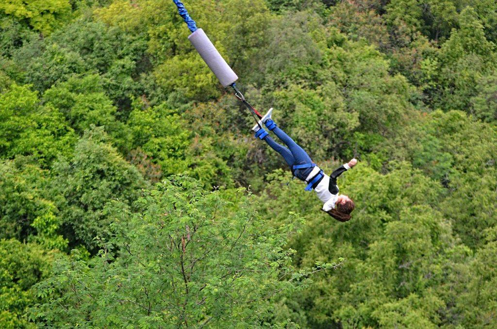 Bungee Jumping a Houpačka