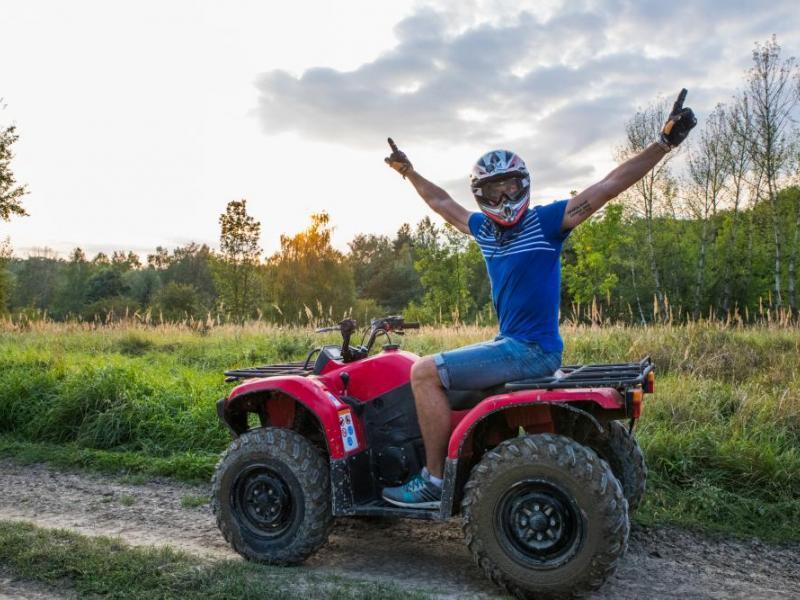 Jízda na čtyřkolce ATV do přírody