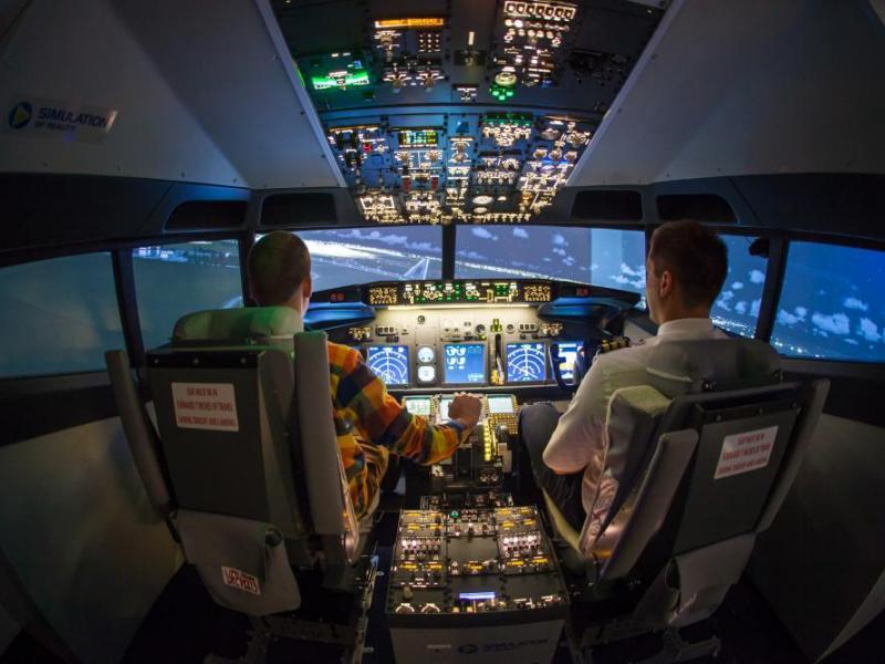 Pilotování simulátoru Boeing 737 jako dárek